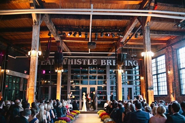 18-steam-whistle-brewery-toronto-wedding-ceremony.jpg